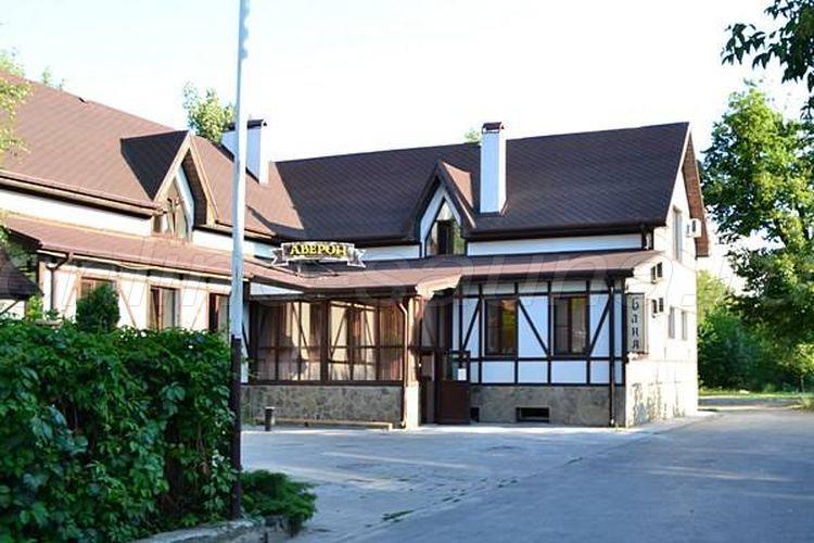 Аверон, гостинично-ресторанный комплекс на Левобережной